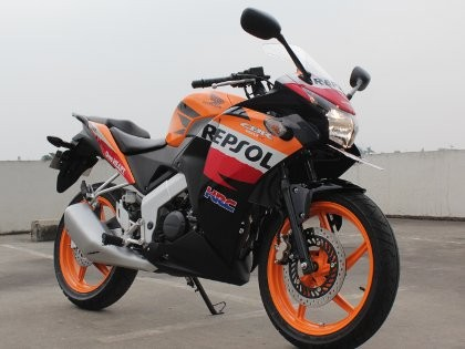 Menguji Performa CBR150R ala MotoGP