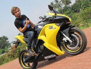 Motor MotoGP ala Zul Zivilia