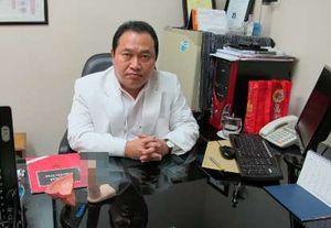 dr Johnny Gosyanto yang Ingin Pasien Bahagia dengan Alat Vitalnya