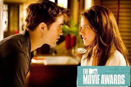 Kalahkan \Hunger Games\, \Breaking Dawn I\ Menang Movie of the Year