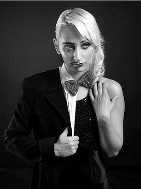 Hasrat dan Gaya Artis-artis Transgender