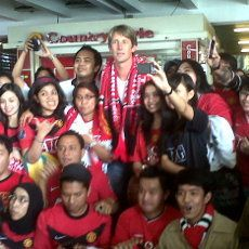 Edwin Van der Sar Tiba di Jakarta
