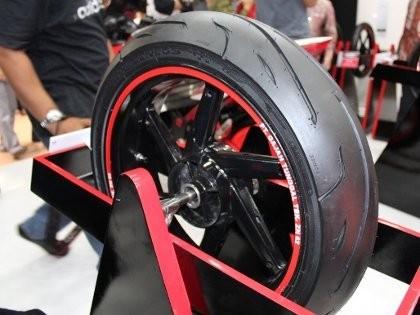 GT Radial Bikin Ban untuk Motor Gede
