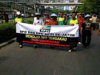 Takut Kelaparan Gara-gara RPP Tembakau Jadi Alasan Petani Demo ke Jakarta