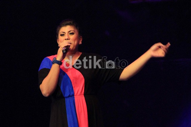 Regina, Juara Indonesian Idol 2012