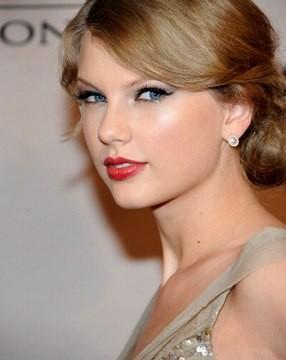 Geser Lady Gaga, Taylor Swift Penyanyi dengan Pendapatan Tertinggi