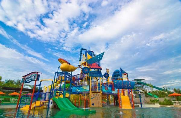 Waterboom Pantai Indah Kapuk (Waterboom Pantai Indah Kapuk)