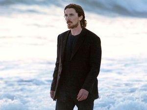 Christian Bale Kunjungi Korban Penembakan Massal di Colorado