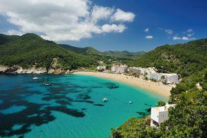 Ini Dia 8 Pantai Terkenal di Dunia