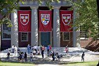 10 Skandal Kecurangan di Perguruan Tinggi AS