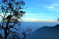 Pemandangan dari atas puncak Gunung Burangrang