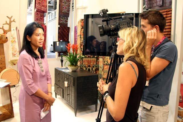 Istri Gita Wirjawan Ikut Jualan Kerajinan RI di Milan
