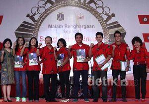 Atlet DKI Jakarta Terima Penghargaan