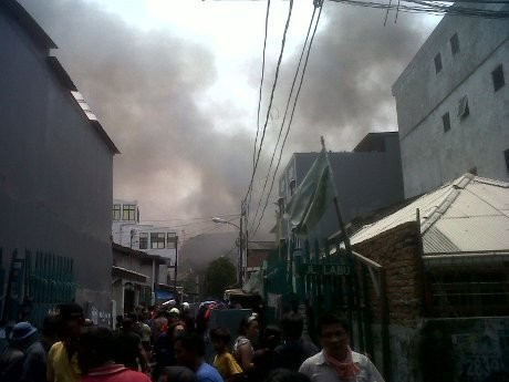 Api \Marah\ di Jalan Labu Taman Sari, 7 Mobil Pemadam Berjibaku