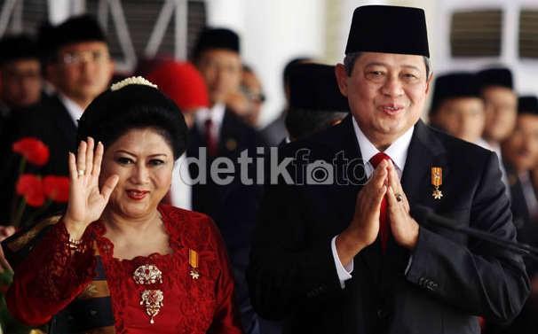 Lagu SBY Awali Upacara Peringatan Hari Kesaktian Pancasila di Lubang Buaya