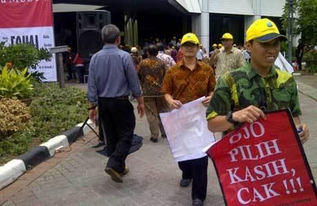 Demo karyawan Indosat (rou/inet)