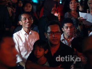 Gubernur Jokowi Nonton JakJazz 2012