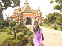Salah satu bangunan di komplek Wat Arun.jpg
