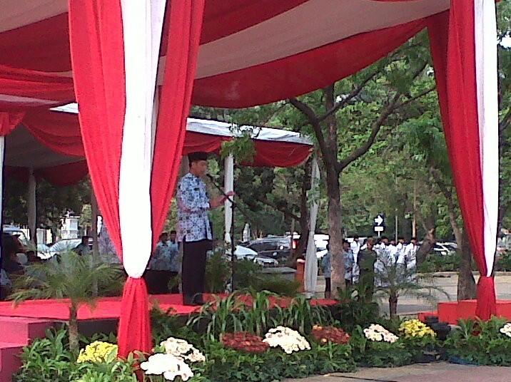 Jokowi Pimpin Upacara Sumpah Pemuda di Monas