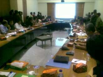 Pembahasan UMP DKI 2013 Alot, Ahok Pasang Muka Serius