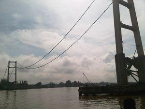 Alur Sungai Mahakam Ditutup, PLN Jamin Pasokan Batubara Aman