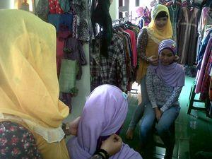 Kisah Sukses Jualan Hijab Via Online