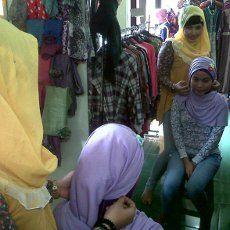 Tsummadana Wulan, Sukses di Usia Muda Berkat Bisnis Hijab