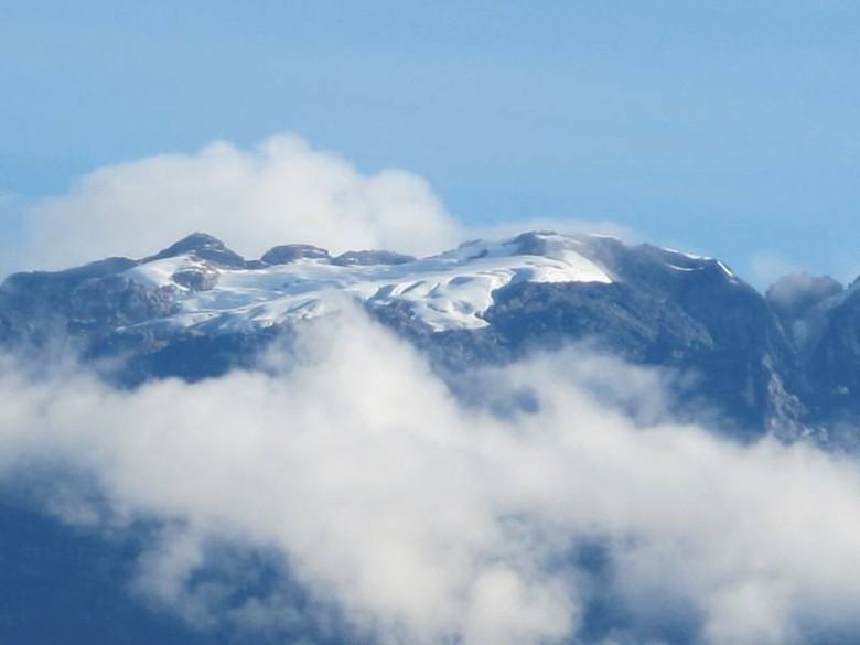 Salju di Puncak Jaya (Afif/detikTravel)