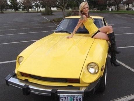 Model Setengah Bugil Jual Mobil