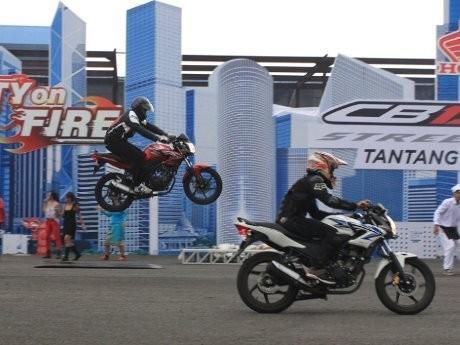 Aksi Freestyler Ramaikan Peluncuran Honda CB150R StreetFire