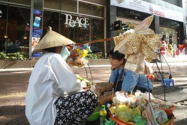 Penjaja makanan tradisional di Ho Chi Minh (Taufik/detikTravel)