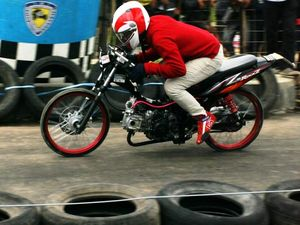 Drag Bike ala Kuda Merah