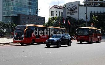 Bus Gandeng TransJakarta Baru Asal China Mulai Beroperasi Hari Ini