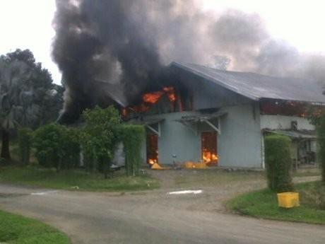 2 Gudang di Sentul Bogor Terbakar, Ratusan Karyawan Panik