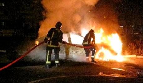 \Tradisi\ Prancis, Bakar-bakaran Mobil di Malam Tahun Baru