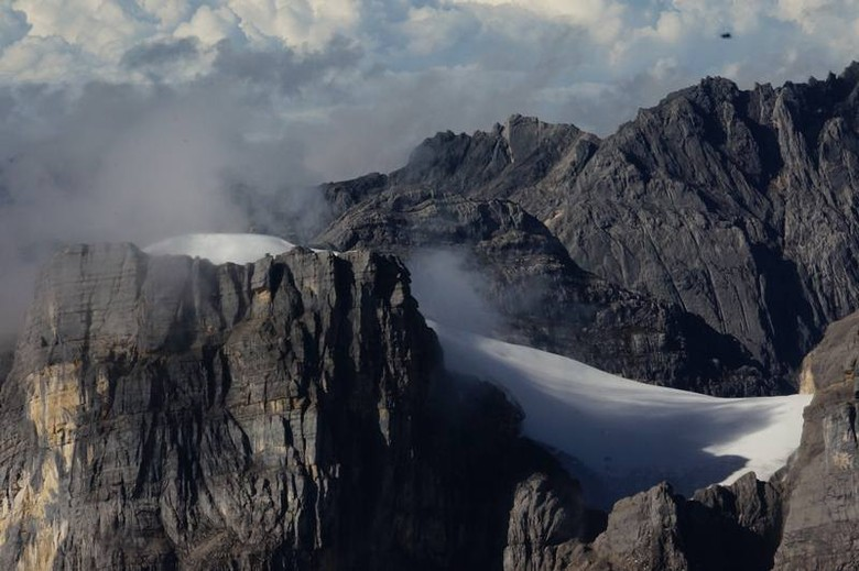 Salju abadi di Puncak Carstenz (Afif/detikTravel)