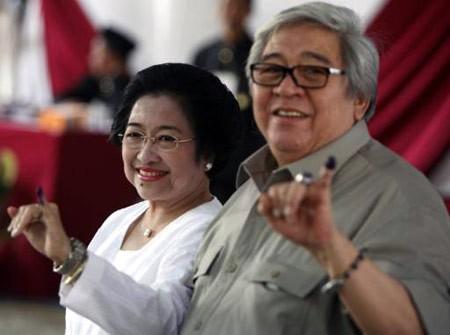 Mengintip Kisah Cinta Taufiq Kiemas dan Megawati Soekarnoputri