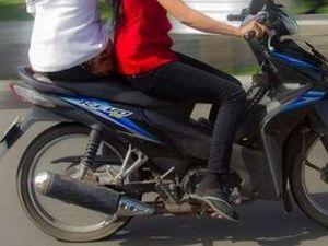 Mendagri Kaji Aturan Larangan Ngangkang di Motor