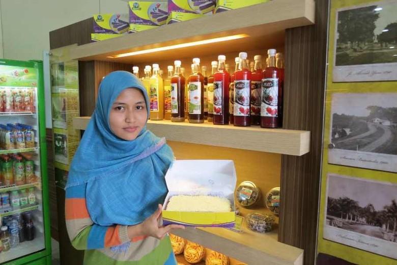 Rizka Romadhona, pemilik Lapis Bogor yang fenomenal (Fitraya/detikTravel)