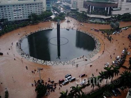 Foto-foto Banjir Dahsyat Jakarta