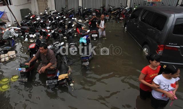 Curah Hujan Berkurang, Jakarta Aman dari Banjir di Awal Pekan Ini