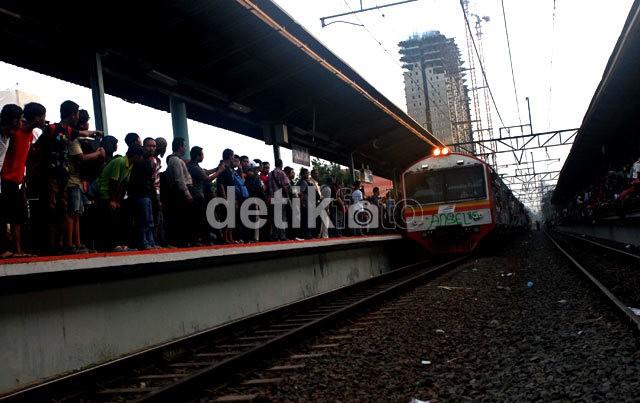 KRL dari Bogor dan Bekasi Hanya Finish di Stasiun Manggarai