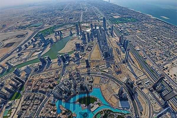 Pemandangan dahsyat dari puncak Burj Khalifa (Gerald Donovan/HIPA)