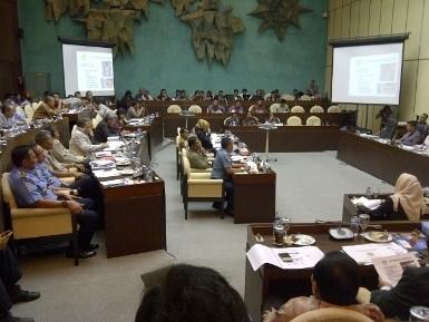 Jokowi Soal Penanganan Banjir: Sudah Bertahun-tahun Rapat...Repet