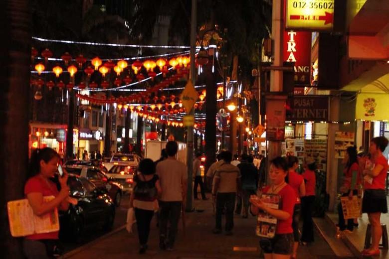 Bukit Bintang menawarkan jasa pijat untuk wisatawan (Marwan/detikTravel)