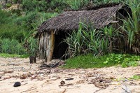gubug tua menjadi ciri khas pantai Sanglen