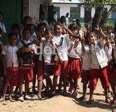 Gara-Gara Telat Masuk, Murid SD Ditendang Guru di Depok