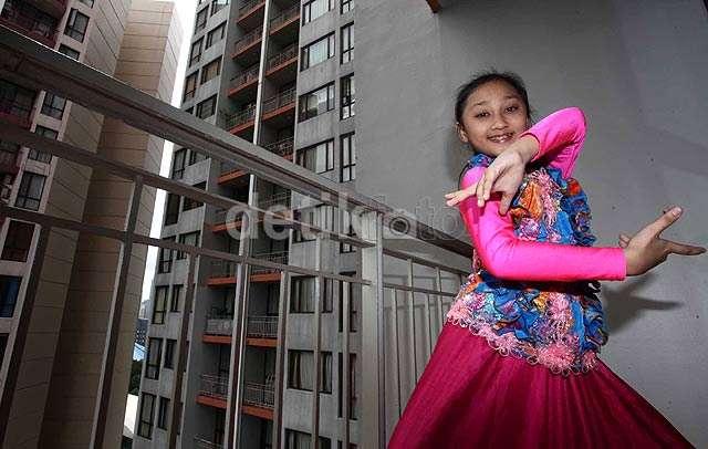 Sandrina Si Penari Jaipong Cilik