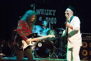 Gugun Blues Shelter Konser di Rolling Stone Cafe Malam Ini