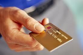 Jumlah Pemegang Kartu Kredit Tembus 14 Juta, Satu Orang Punya 3 Kartu